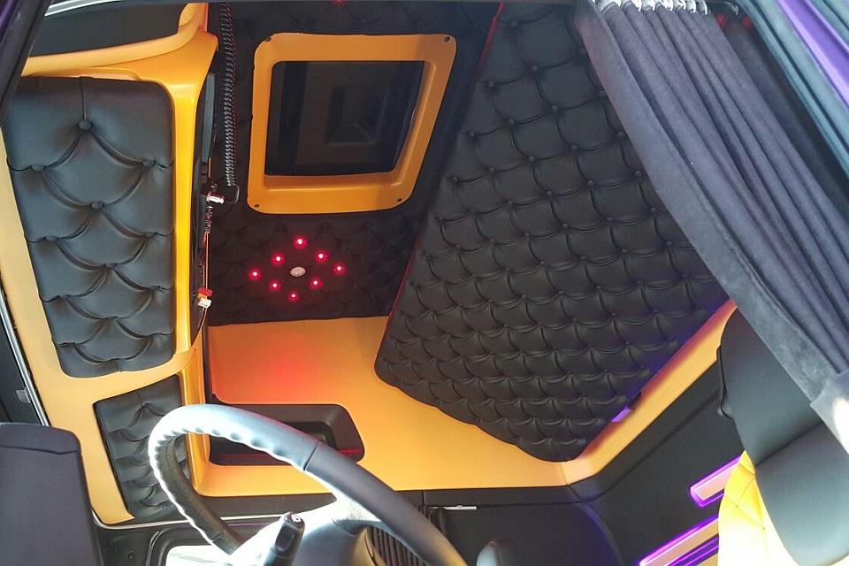 https://www.truck-interiors.com/site/custom-truck-interior/$FILE/complete-truck-bekleding-960x640-6.jpg