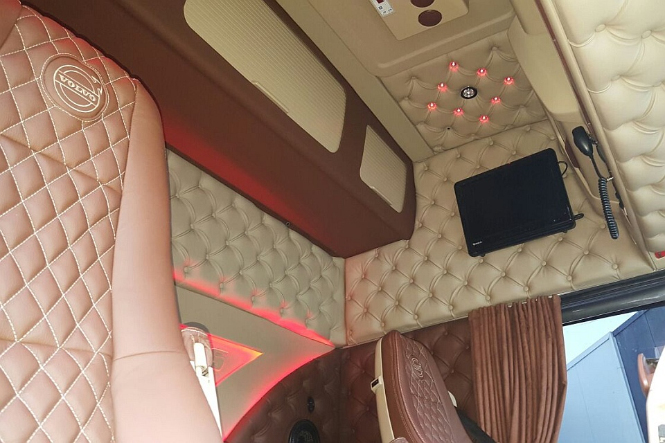 volvo truck interior kit. Black Bedroom Furniture Sets. Home Design Ideas